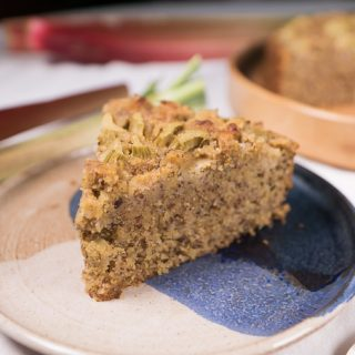 Spice Rhubarb Cake with Almonds and Polenta