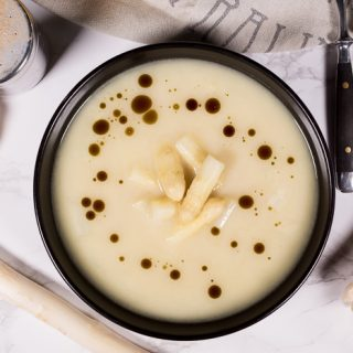 Cream of White Asparagus Soup – Mild and Springy